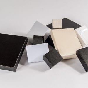 קופסאות אריזה מקרטון (קיים בשחור,שמנת,לבן ,טבעי ,זהב)